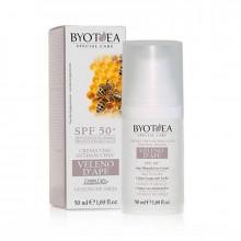 Byothea Защитный крем против пигментных пятен с пчелиным ядом SPF 50 Face Care Bee Venom